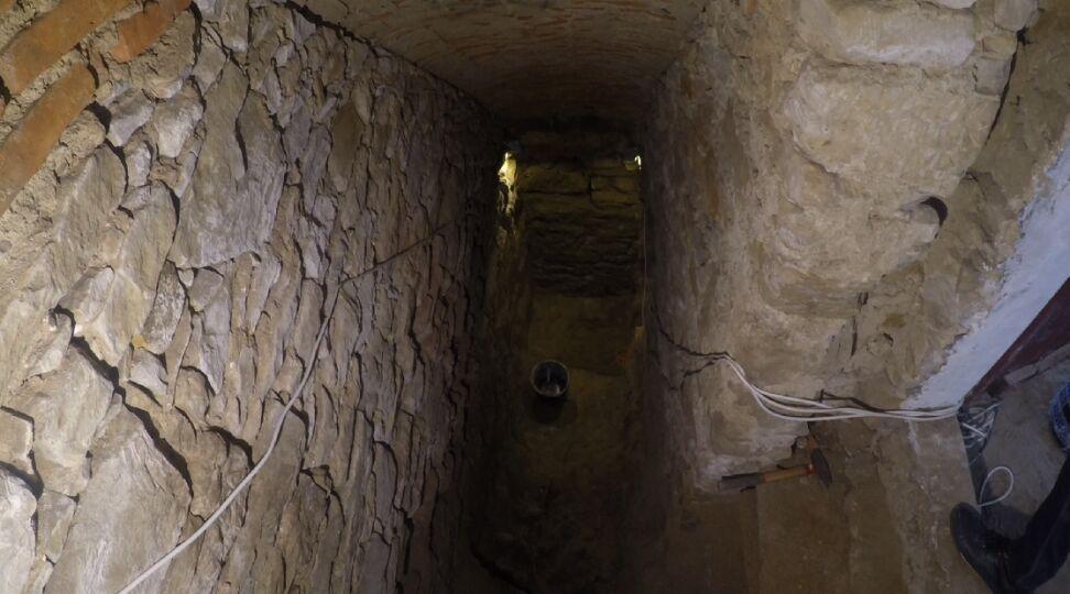Zdjęcie tunelu templariuszy (tvn24)