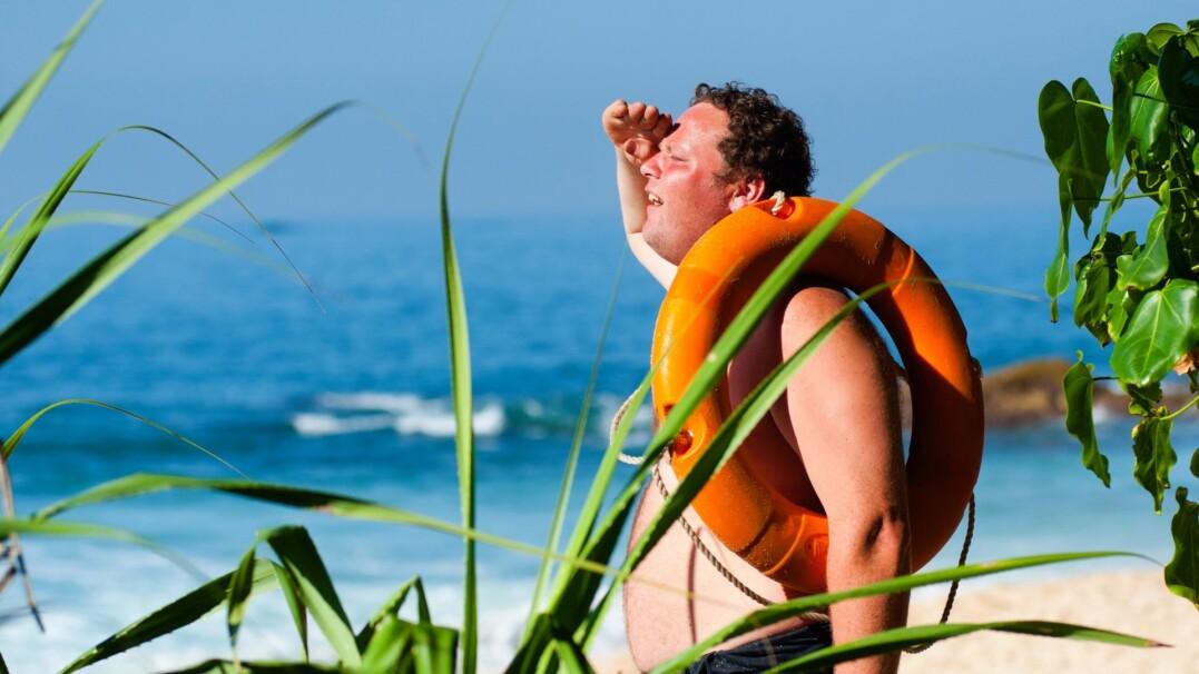 Udar słoneczny. Jak pomóc choremu, jakie są objawy?