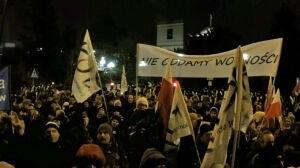 Policja: to pokojowa manifestacja, nie ma powodów do interwencji