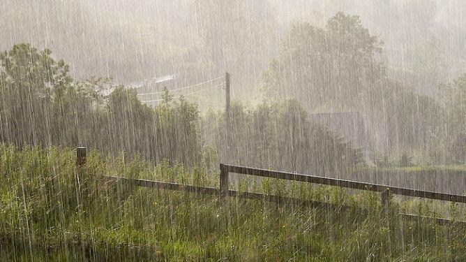 Raport: coraz więcej ulewnych deszczy na świecie