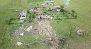 Zniszczenia po przejściu trąby powietrznej, widok z drona (Kristians Drake)