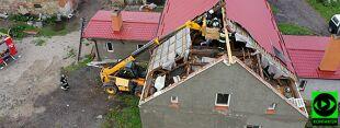 Pożary od uderzeń piorunów, niszczycielski wiatr. Potężne załamanie pogody w Polsce